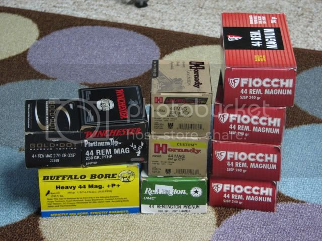 FS Near new Ruger  44 mag Super Redhawk and ammo   (pics
