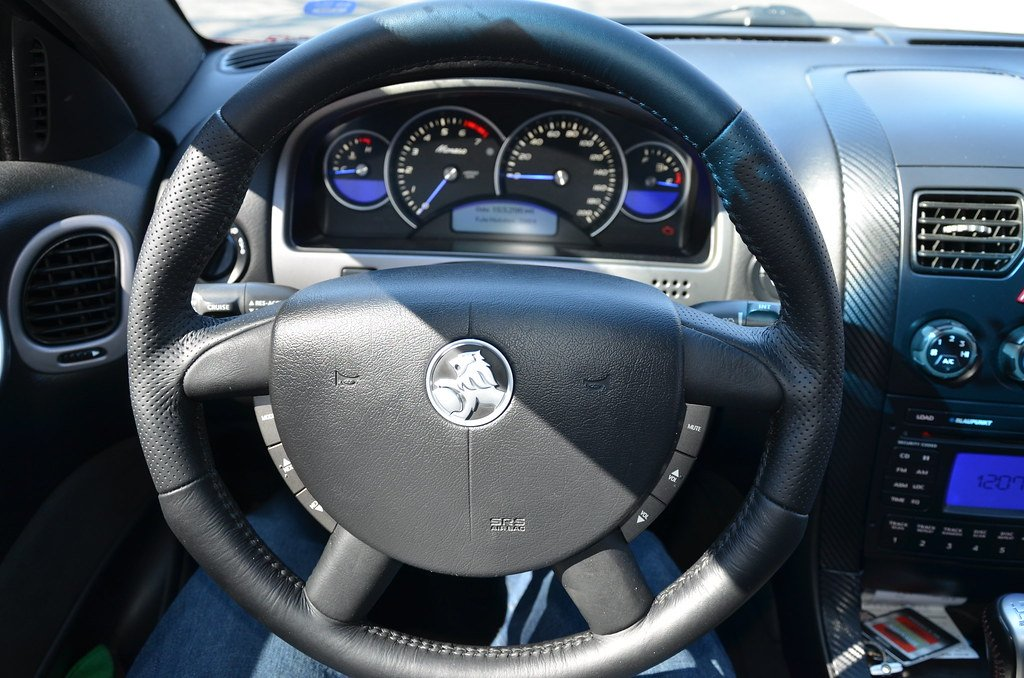 new steering wheel for the monaro | LS1GTO com Forums
